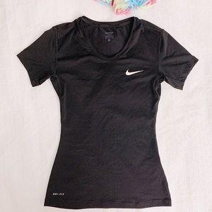 Nike dri-fit Nike pro black shirt size small